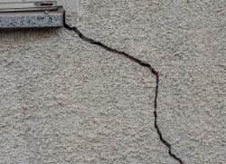 crack by window