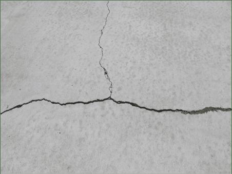 Common driveway cracks