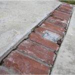 Brick divider with cracking
