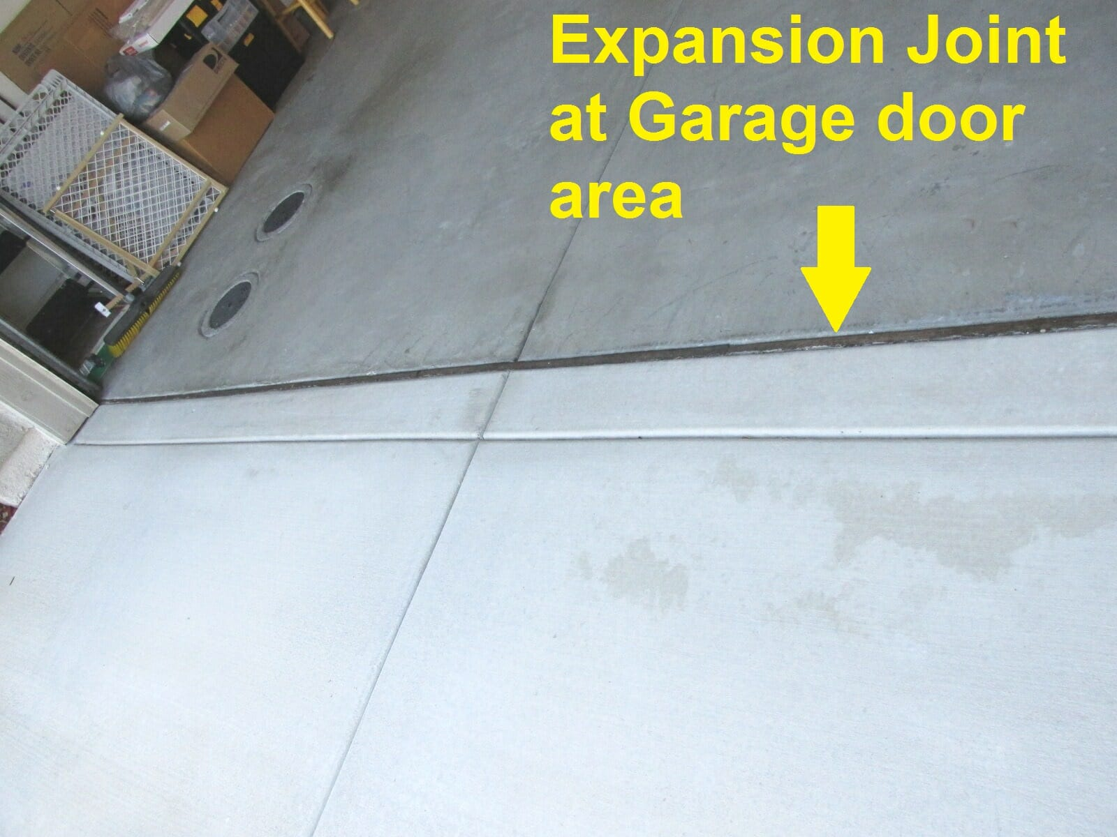Expansion joint at garage door