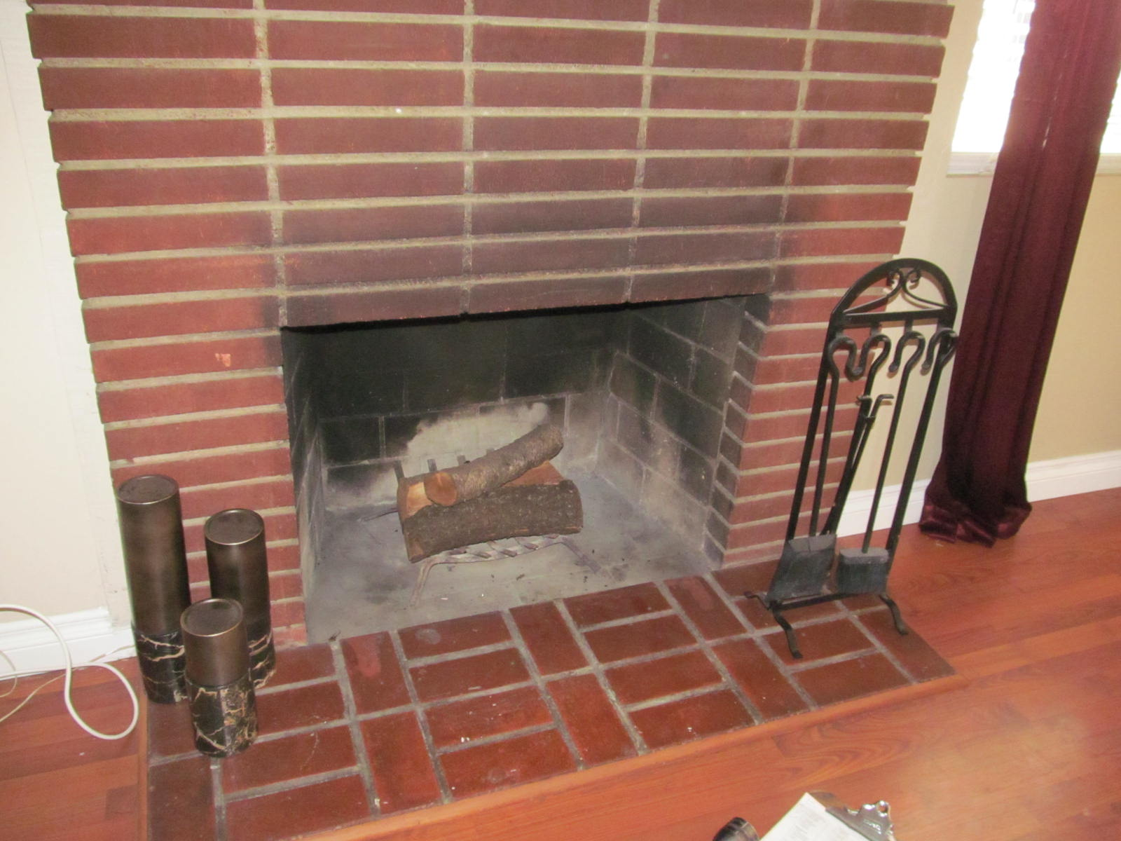 Smoke on face of fireplace