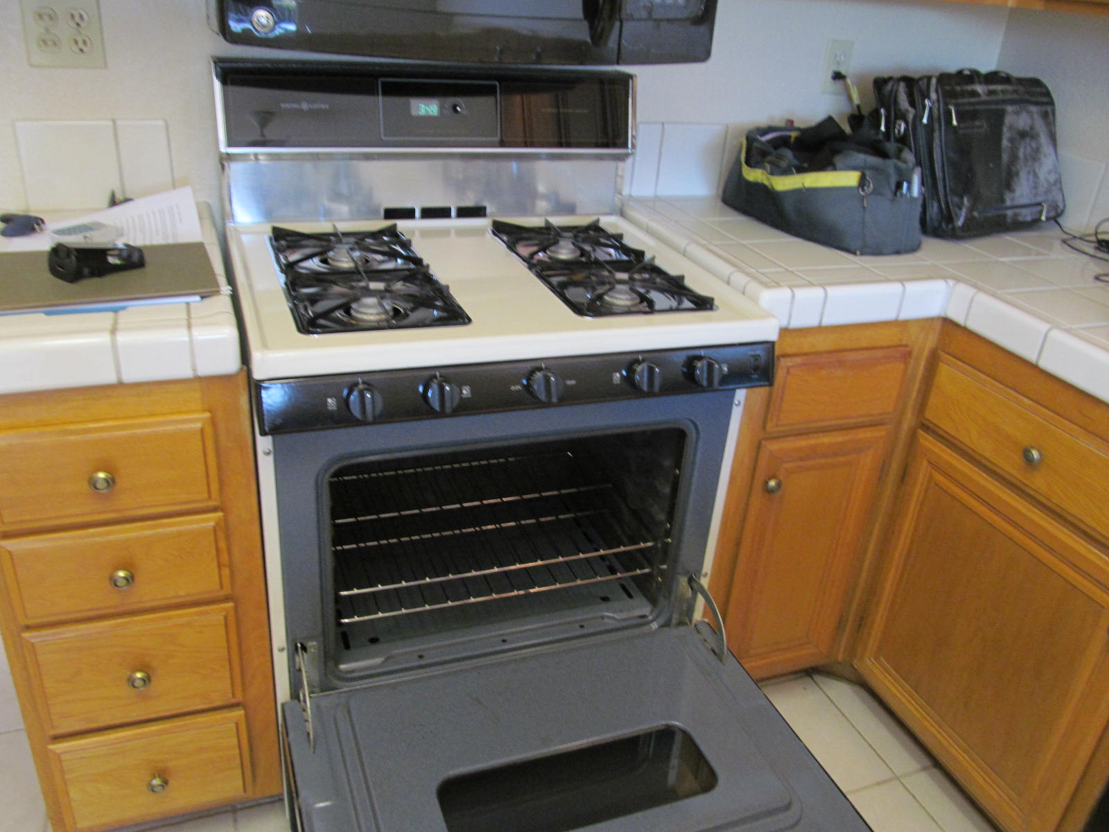 gas cook stove hook up Difficult/costly to switch from electric to we had a gas hook-up already in i change out an electric stove for a gas stove at our old house for.