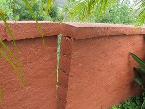 Leaning block wall